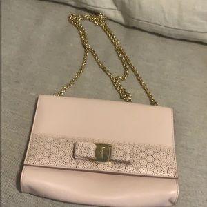 Mini Vara Ferragamo Bow pink purse